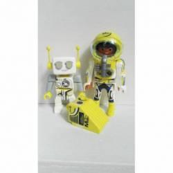 ES011 ASTRONAUTA CON ROBOT